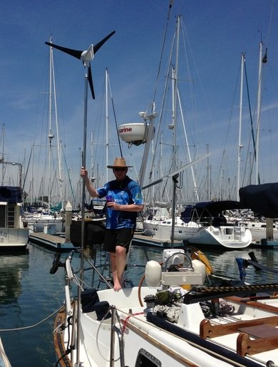 140 watt marine rigid solar panel mounted using top of pole system on sailboat